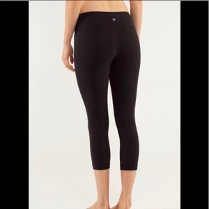Lululemon Wunder Under Black Crop Leggings size 6